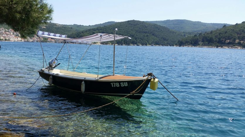 leidi_490_elan_500_boat_charter